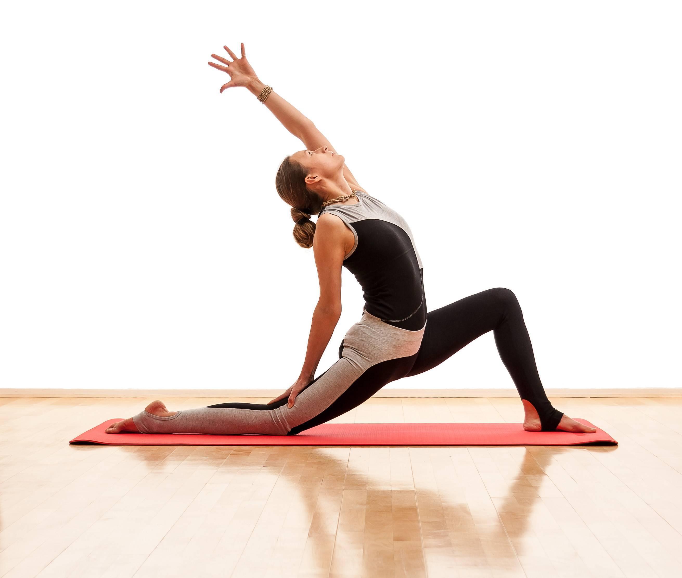 Йоги практикуют годами, чтобы освоить эту асану: сложнейшая поза скорпиона или вришчикасана