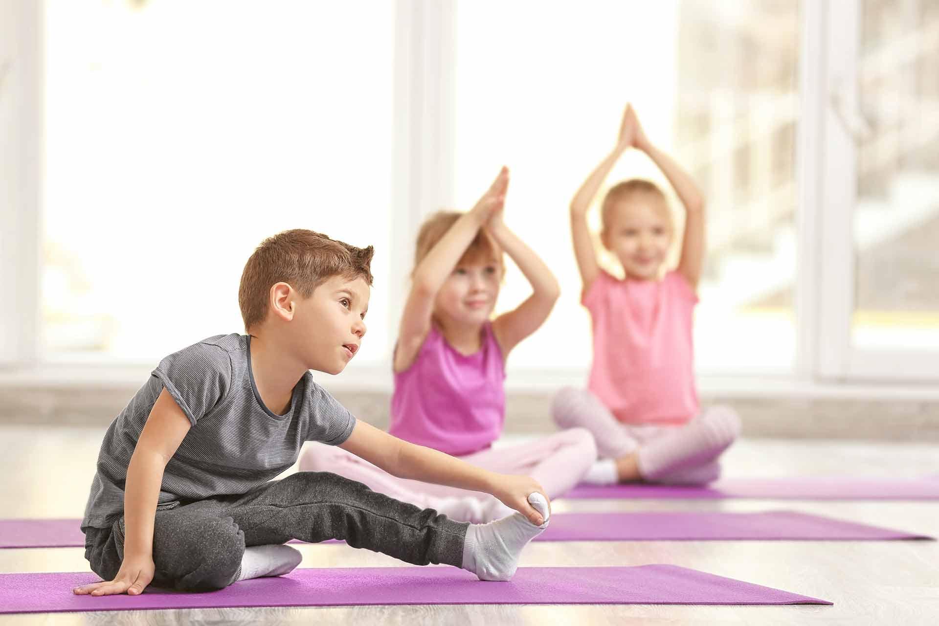 Детская йога. йога для мам с детьми