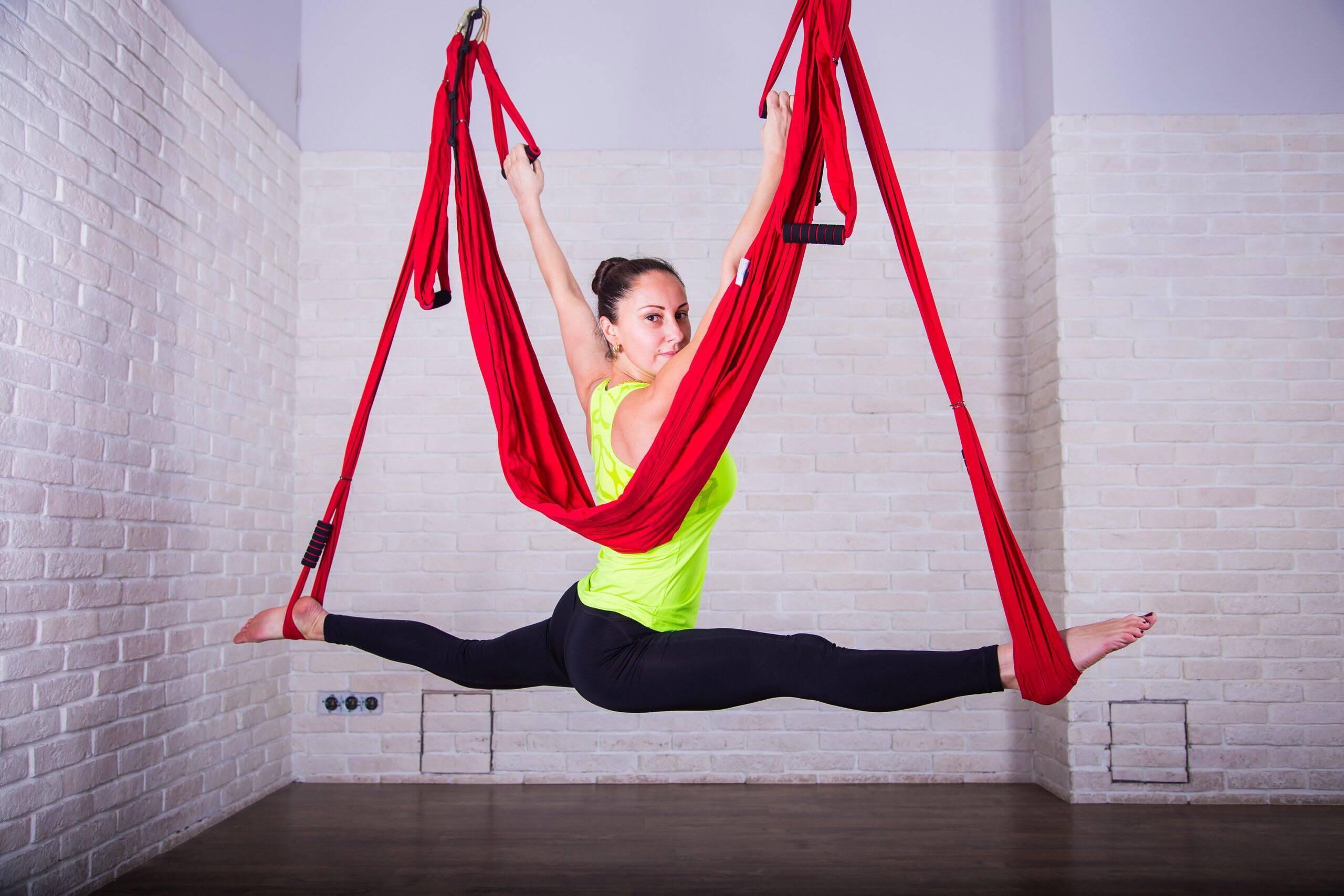 Аэройога: польза данного стиля йоги и техника выполнения