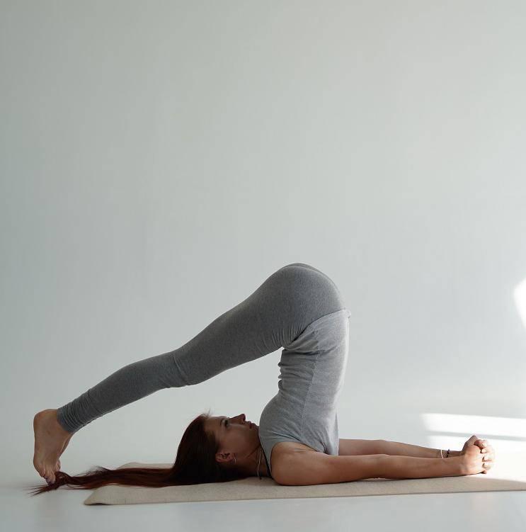 Йога для начинающих — инструкция по выполнению асан