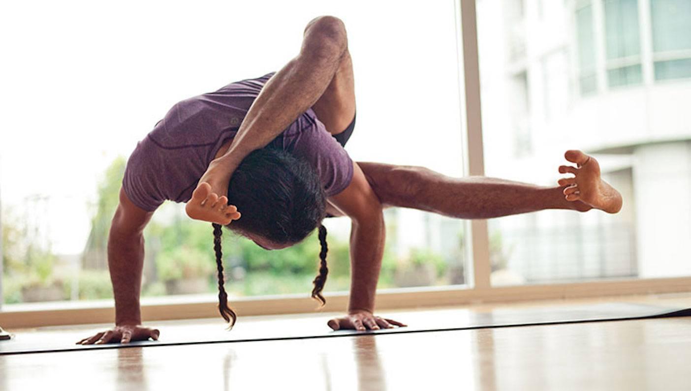 Йога для начинающих: 7 асан, которые научат владеть телом | журнал anysports