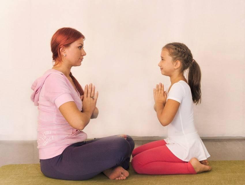 Йога для самых маленьких: полезные упражнения индийской кульутуры для детей