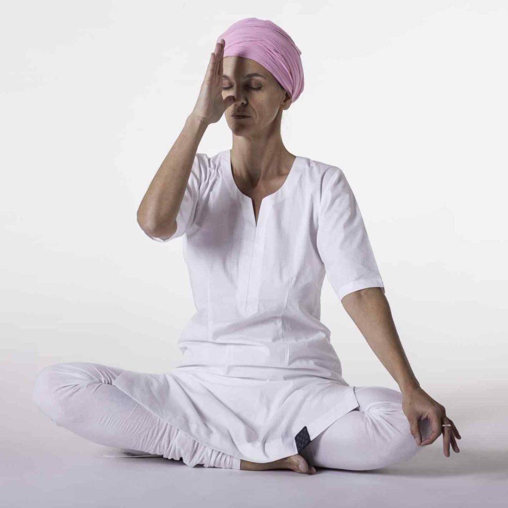 Кундалини йога для начинающих в домашних условиях: (10+ видео)