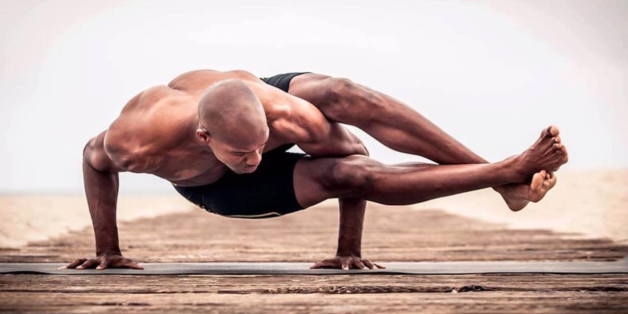 Йога без духовности: зачем нужна силовая йога