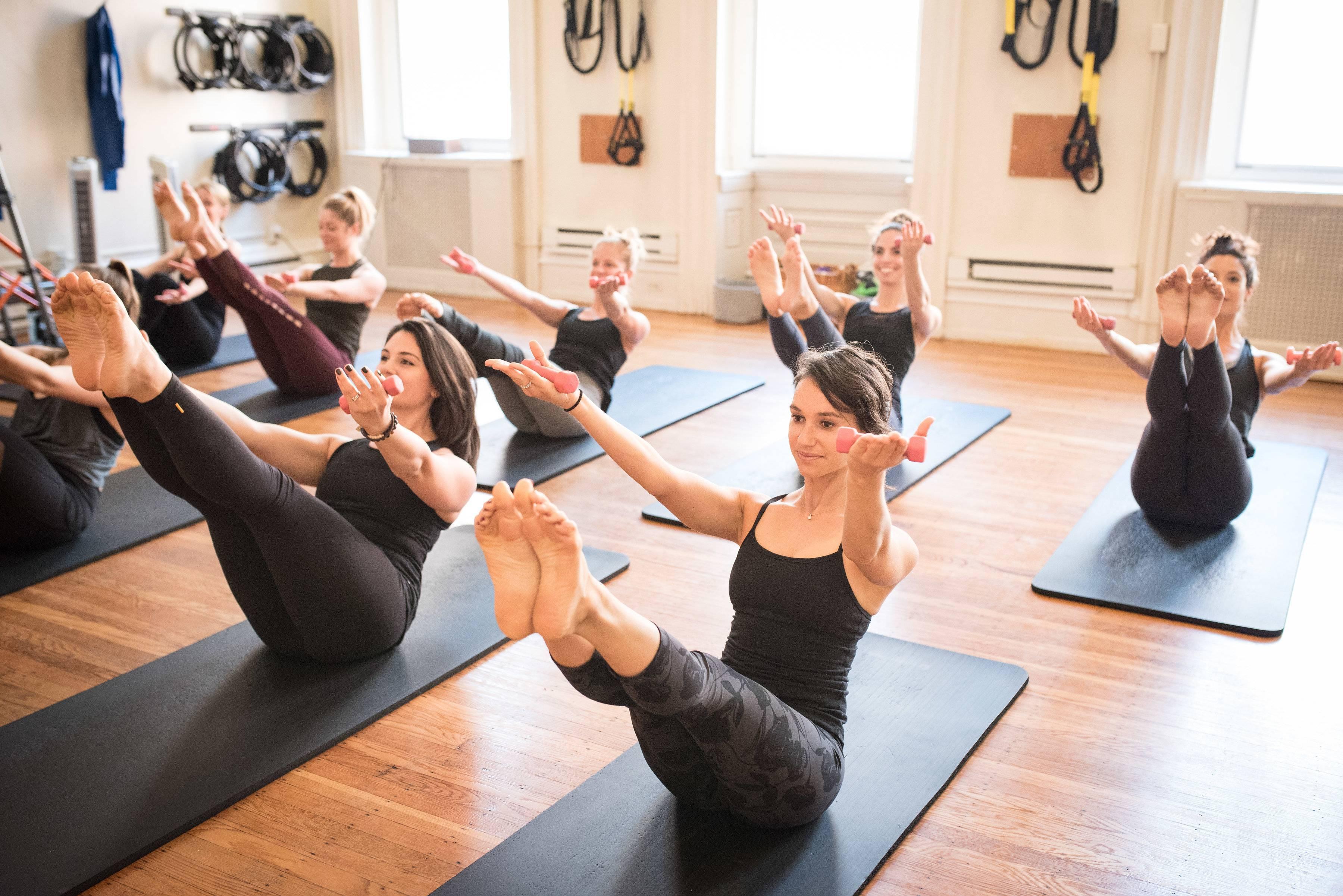 Что такое хатха-йога и кому она подходит?   yoga5stihiy.ru