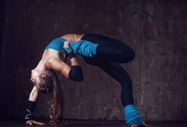 Подборка видео с уроками по йоге для начинающих в домашних условиях   yogamaniya