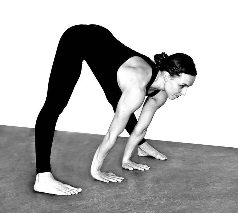 Йога для похудения: 24 асаны для начинающих, комплексы для похудения живота, рук, ног лица, бедер и попе в домашних условиях