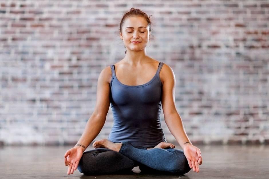 Поза рыбы в йоге (матсиасана):  правильная техника выполнения и вариации с фото и видео