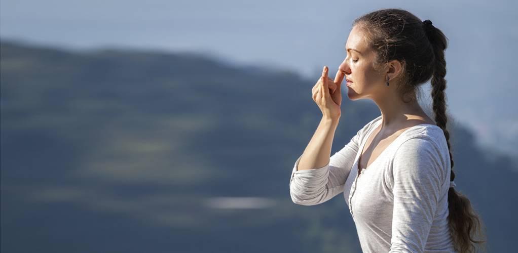 Бхастрика пранаяма: техника выполнения дыхания кузнечных мехов, а также видео-обучение и польза практики