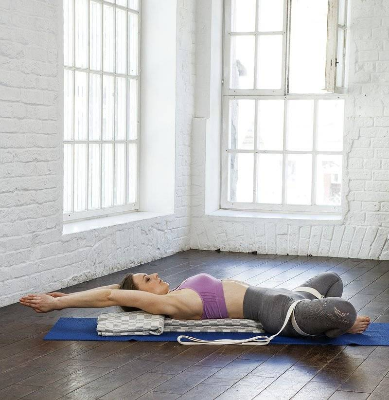 64.супта конасана. поза лежачего угла. йога для детей. 100 лучших упражнений для укрепления здоровья