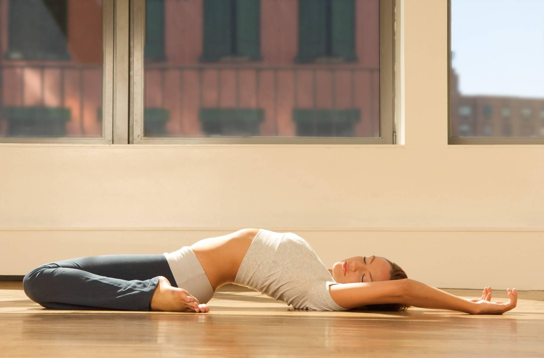 Утренняя йога для начинающих, екатерина буйда, утренний комплекс за 15 минут для стройности, за 10 минут