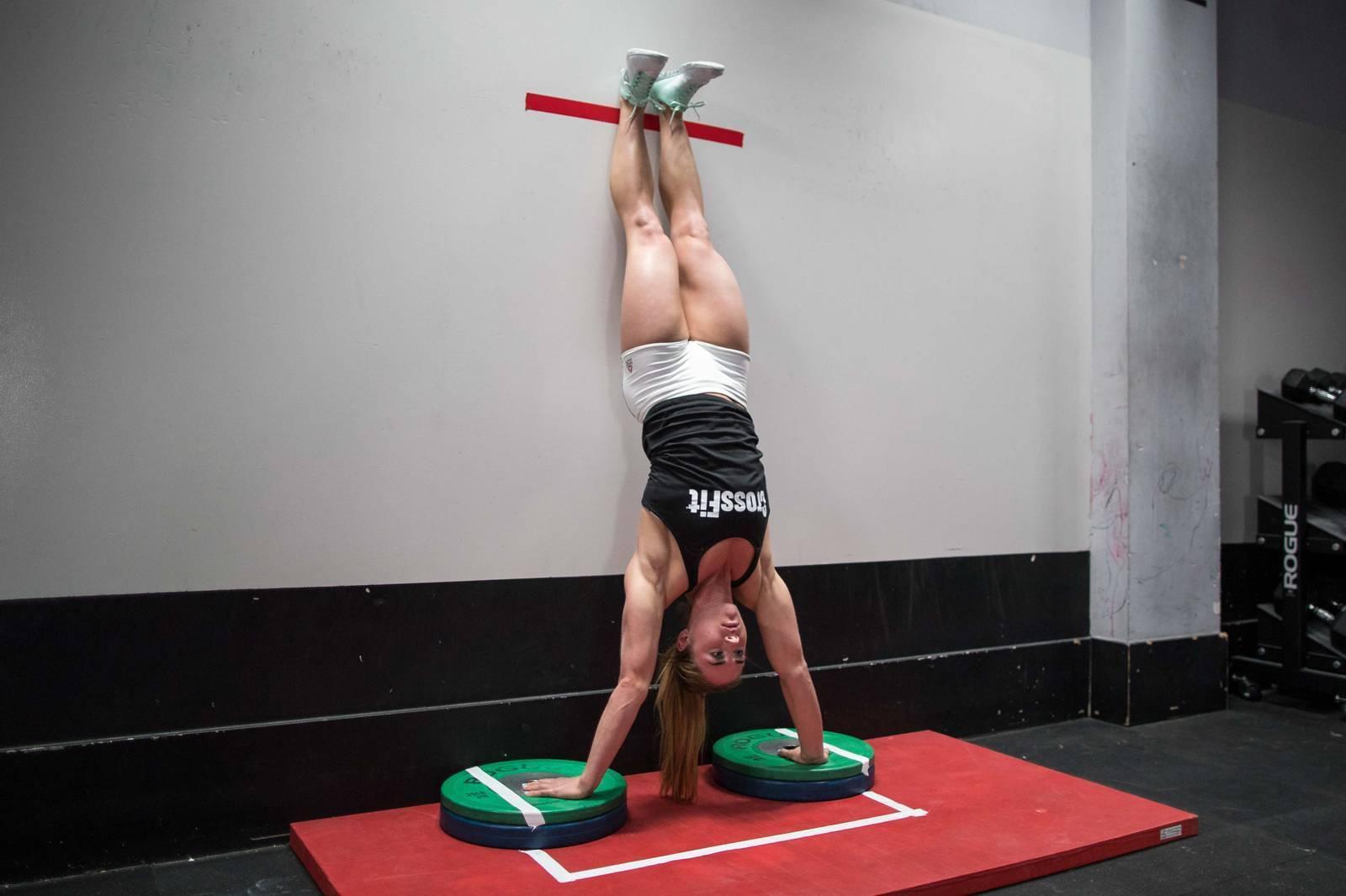 Отжимания от стены: особенности упражнения | rulebody.ru — правила тела