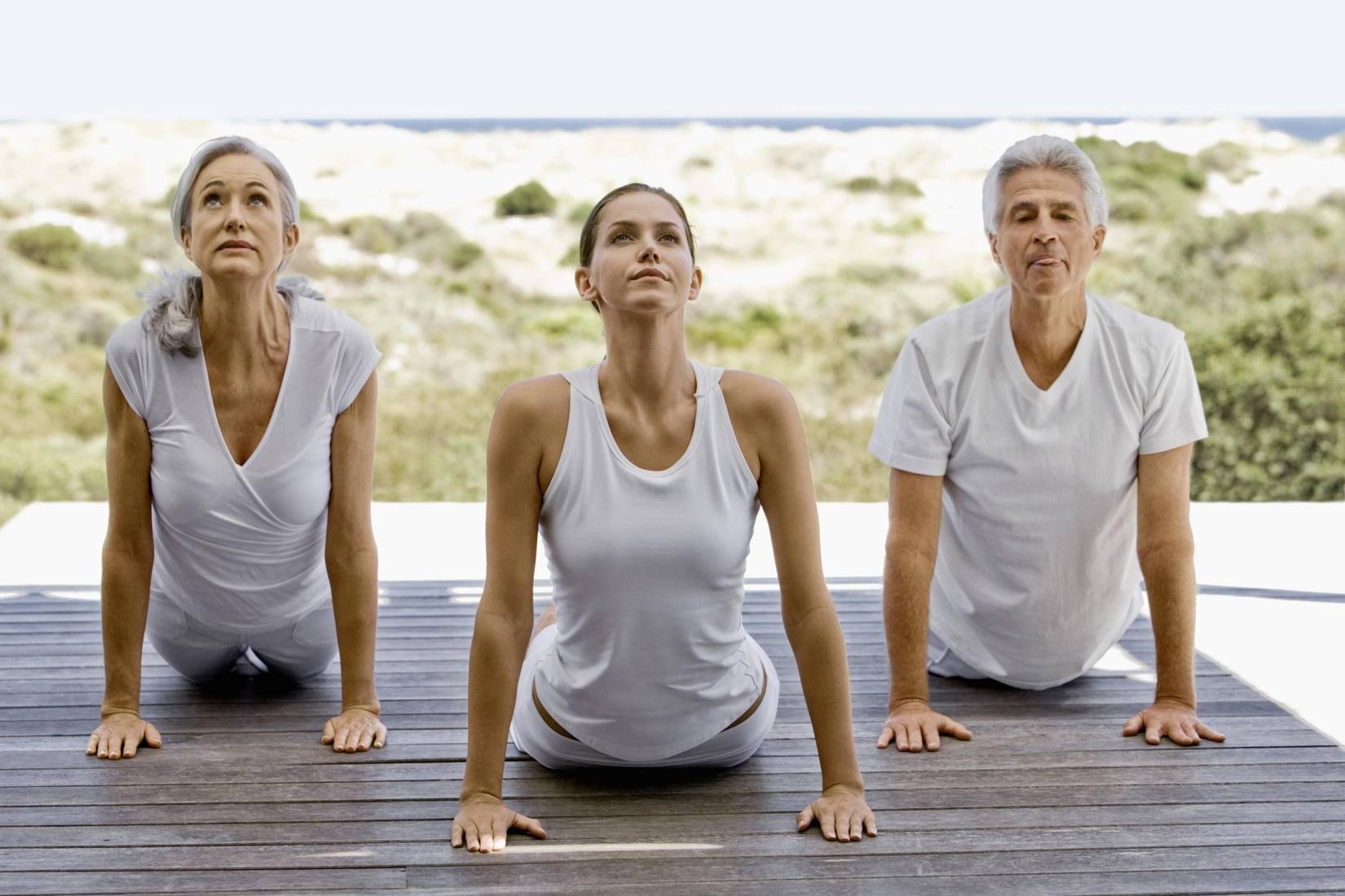 Йога для пожилых: 7 асан для хорошего самочувствия