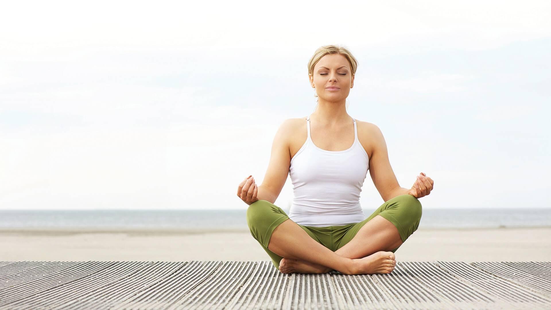Йога для пожилых 60 – лет начинающим