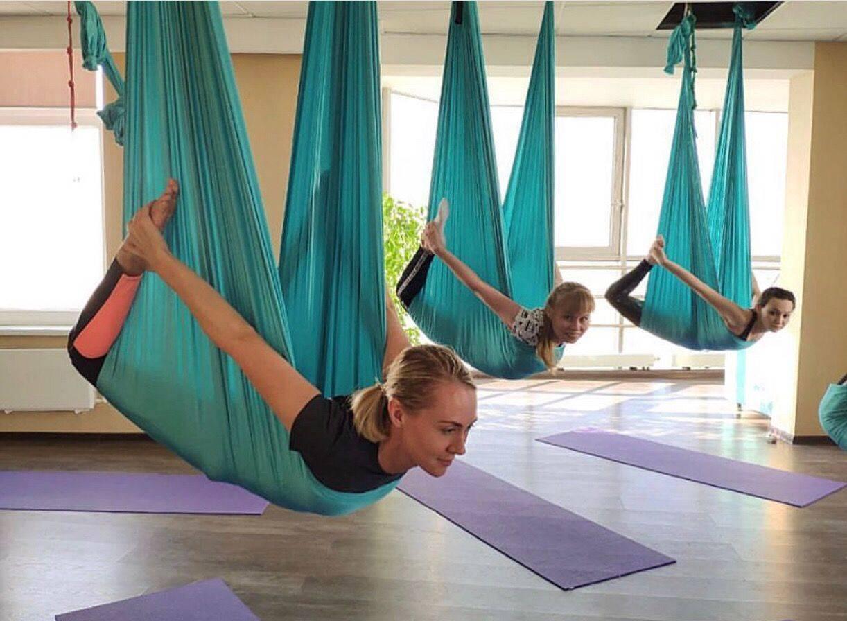 Йога в гамаках для беременных,йога в воздухе, антигравити йога для беременных