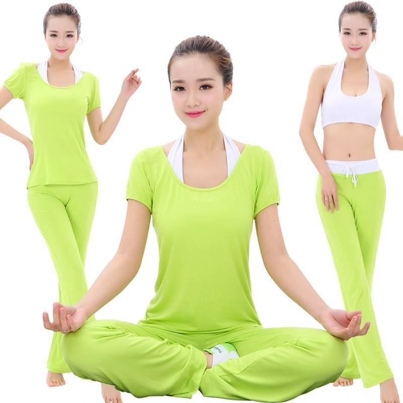 Одежда для йоги: занятия для женщин, носки, комбинезон и легинсы