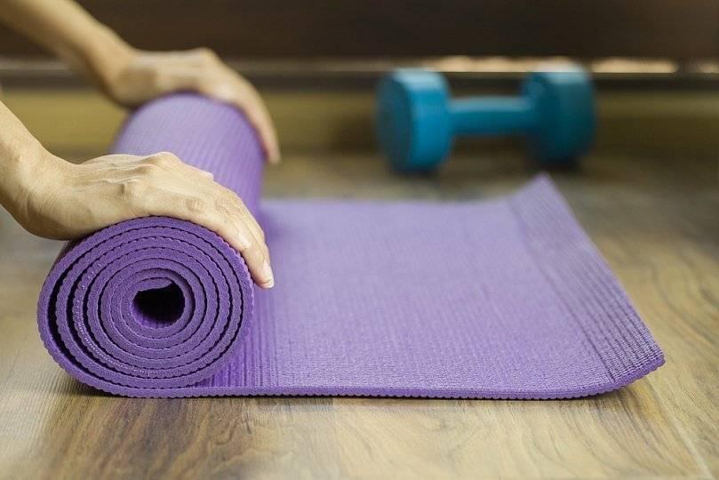 Как выбрать коврик для йоги: правила выбора. советы эксперта.