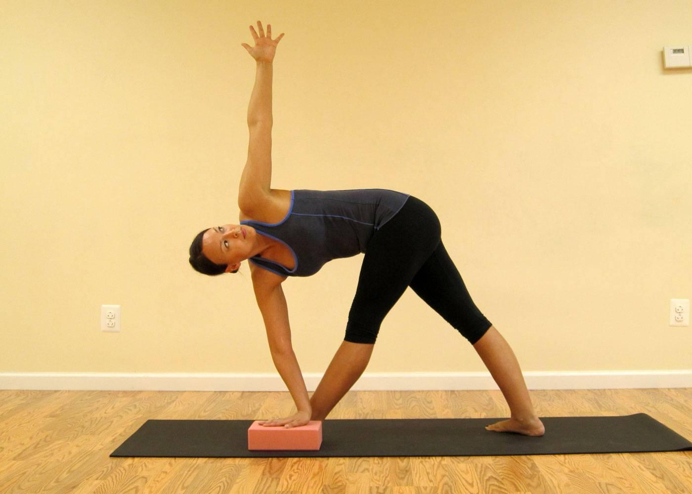 Йога при шейном остеохондрозе: можно ли ее применять