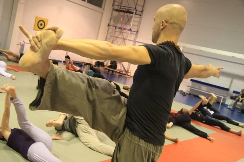 Цигун для начинающих: упражнения гимнастики. с чего начать самостоятельно дома? китайская зарядка на 10 минут, практика и занятия утром