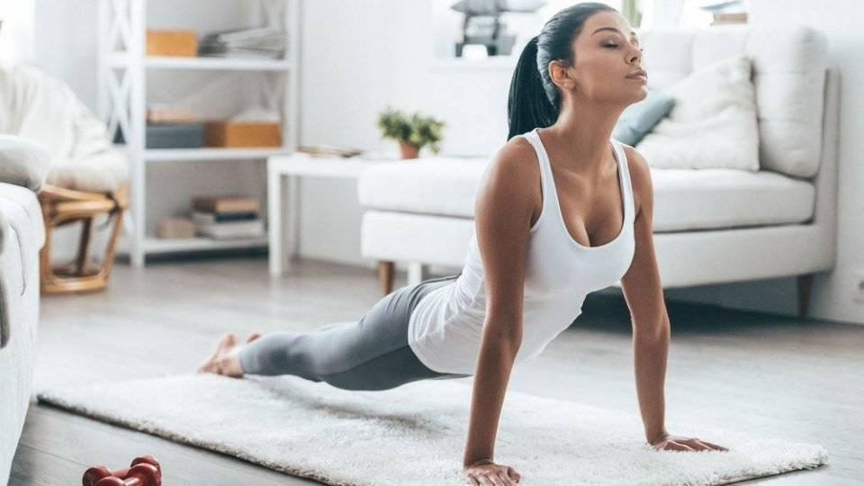 Утренняя растяжка и зарядка для всего тела для начинающих