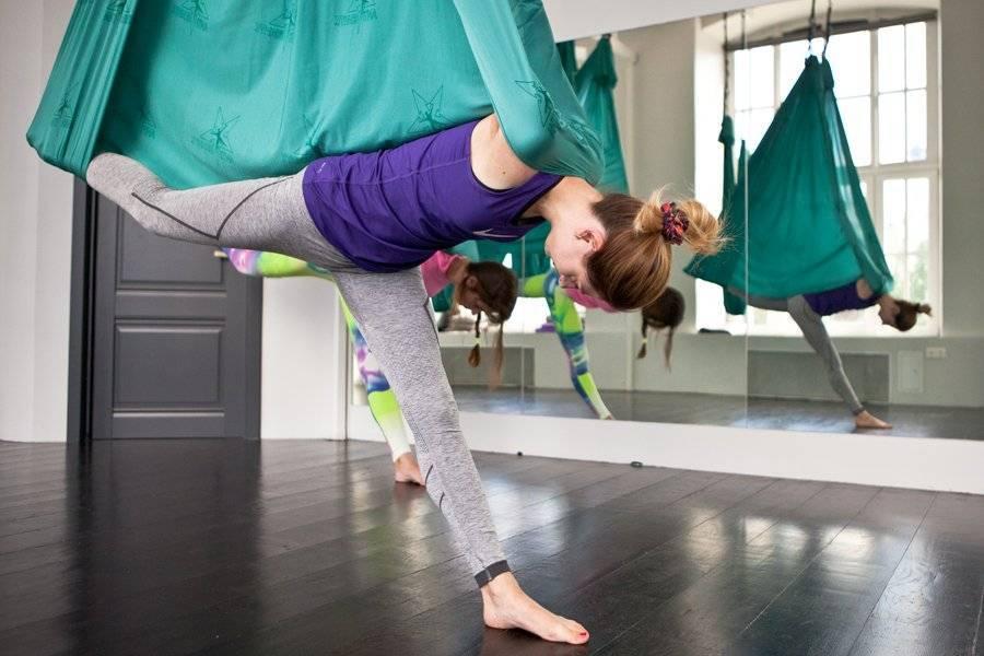 Йога в гамаках: польза и топ-5 упражнений в гамаке