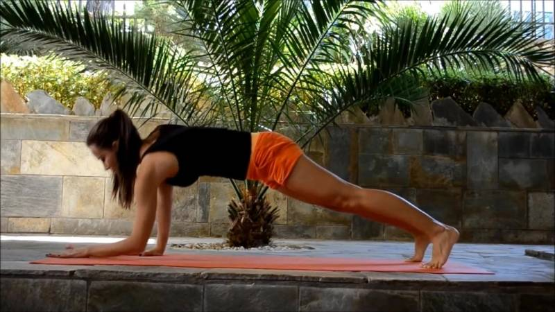 Йога для всех желающих вместе с рейнбо марс