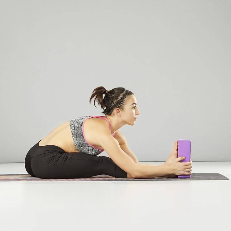 5 интересных способов применить кирпичи в йоге