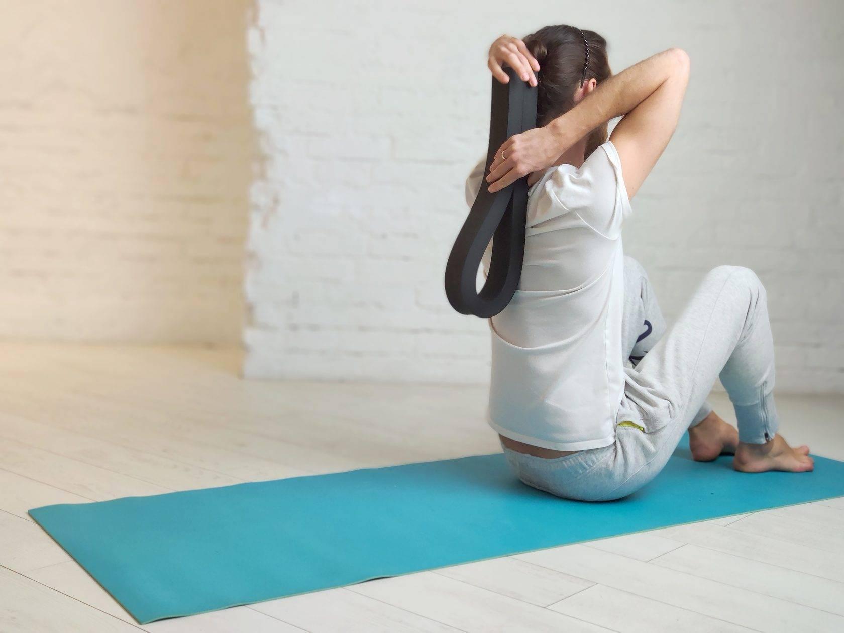Побороть депрессию и стать выше: что такое йога критического выравнивания и как она работает