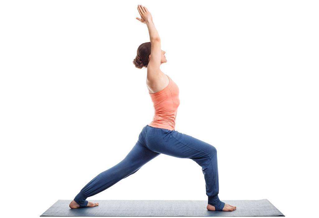 Асана Вирабхадрасана дарует покой и расслабление всему организму