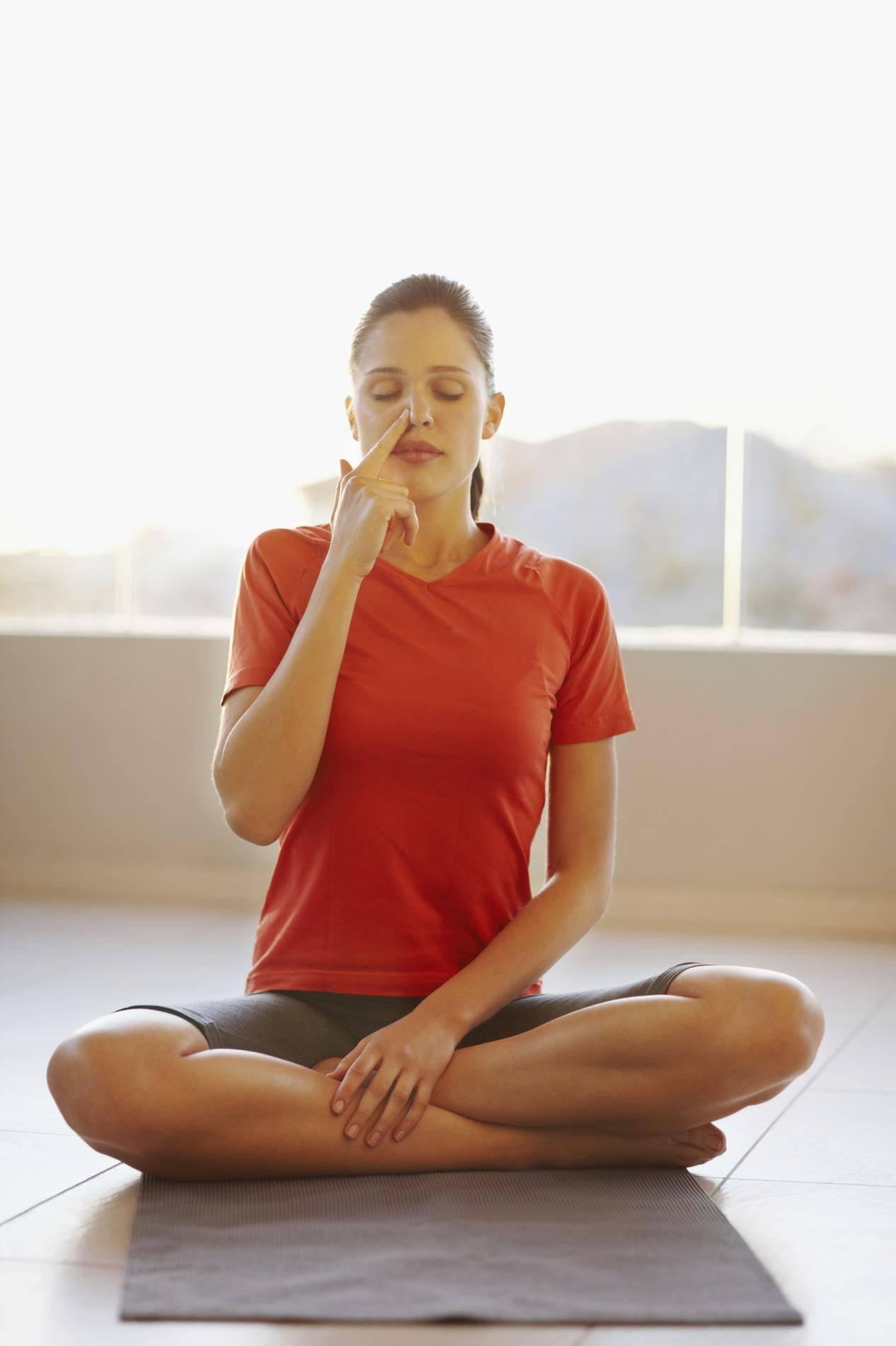 Пранаяма как метод йоготерапии при заложенности носа