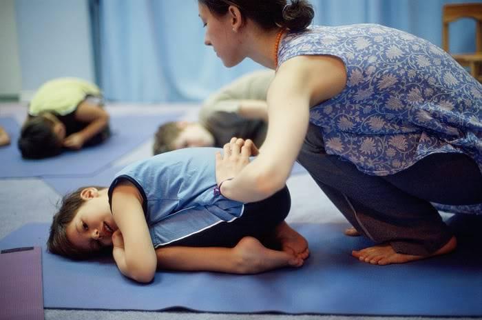 Йога для детей: польза, особенности, упражнения с описанием и пояснениями