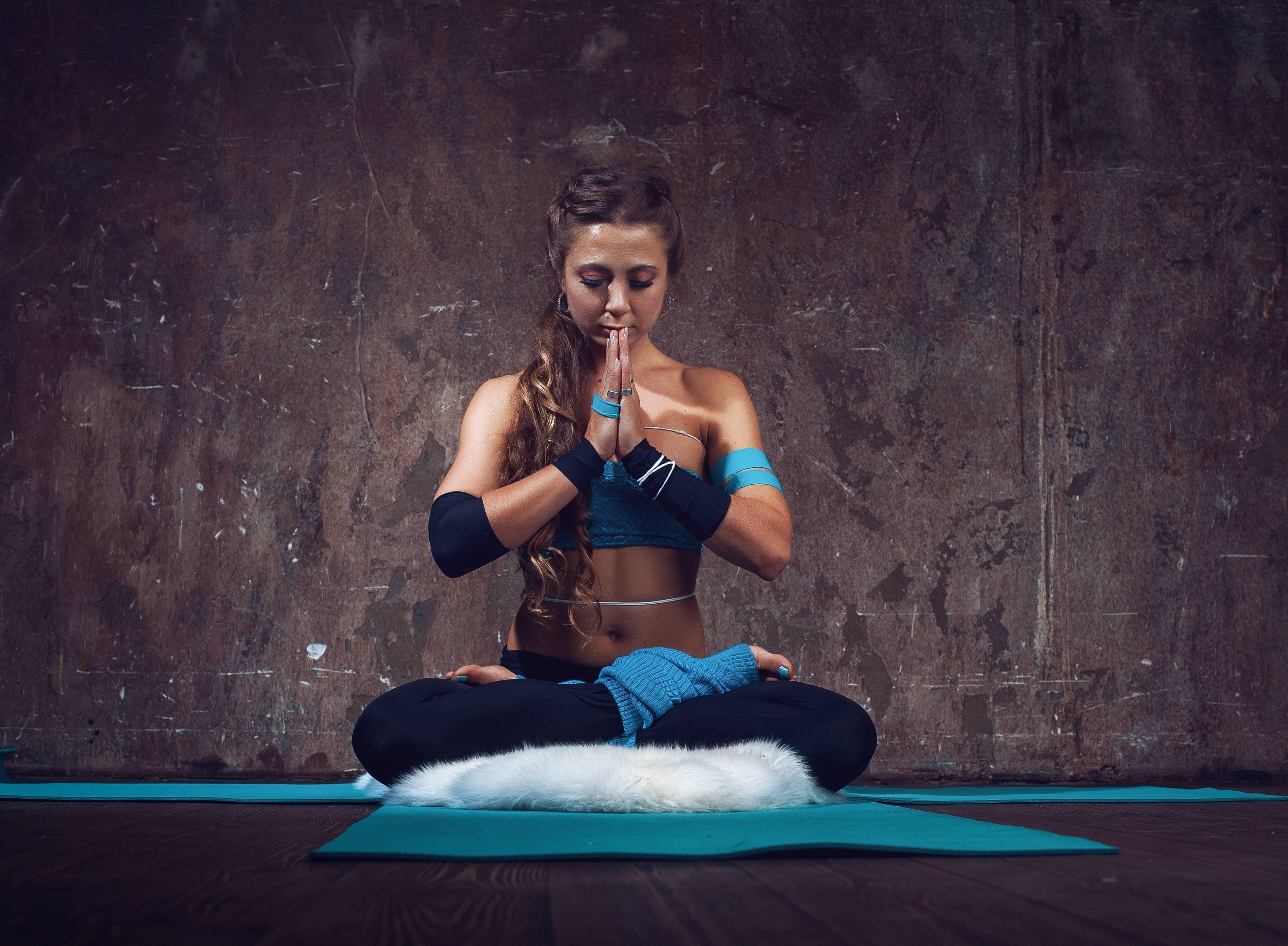 Тренировочная система йога 23: комплексы упражнений для начнающих