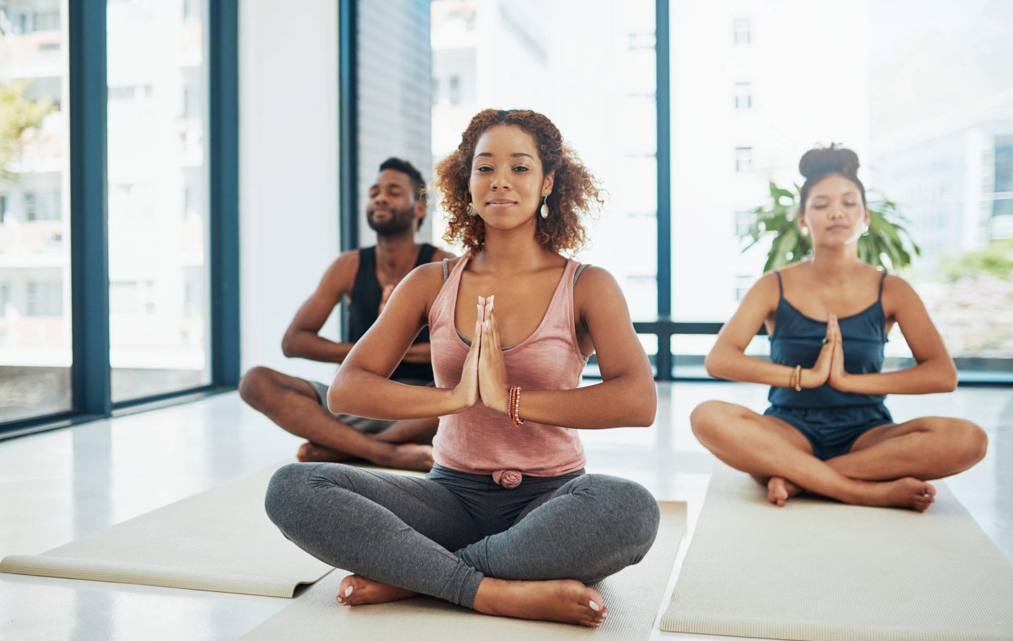 Сиддхасана (поза звезды) в йоге: техника  выполнения с фото и видео