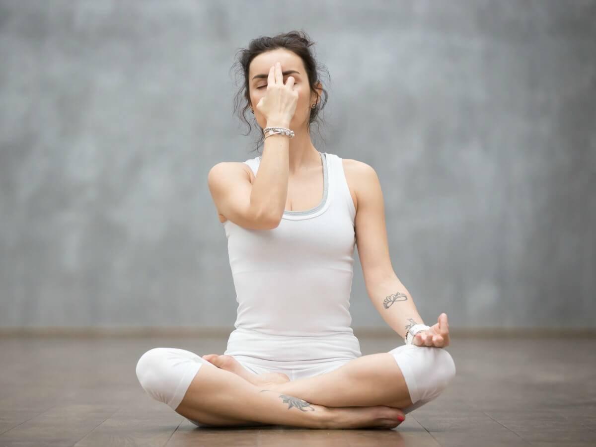 Техника выполнения дыхания уджайи: как делать пранаяму победителя, а также его польза и видео-обучение
