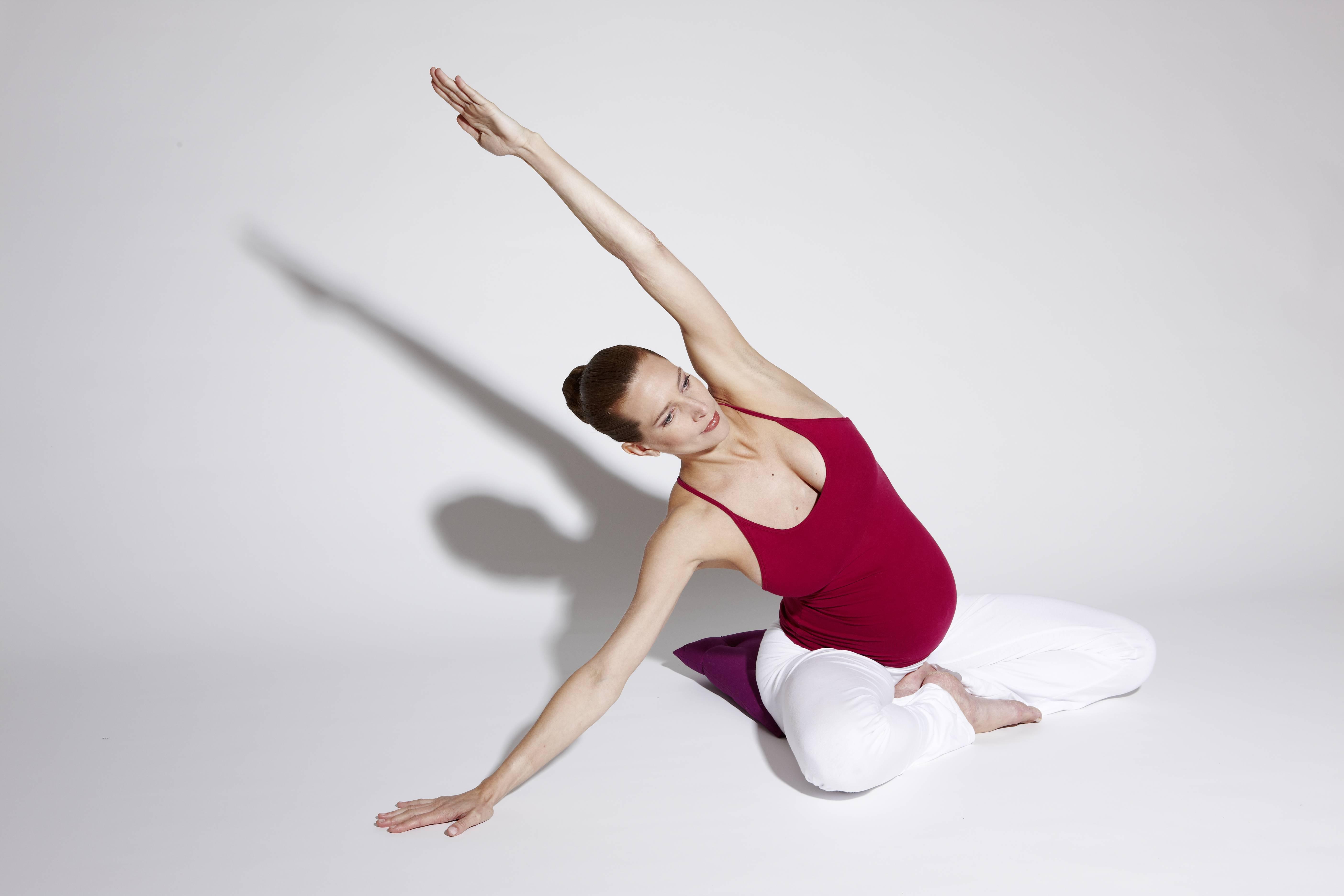 Полезна ли йога беременным?