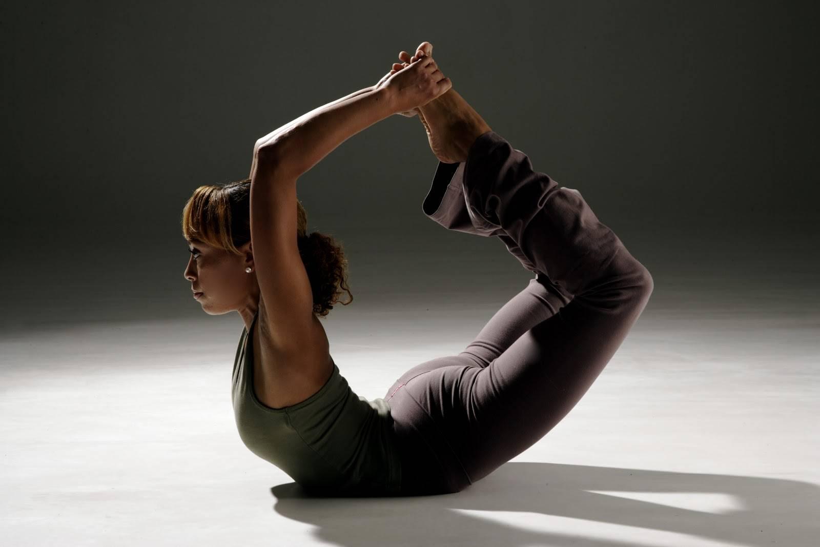 Секреты выполнения урдхва дханурасаны, техника позы колеса в йоге, польза асаны