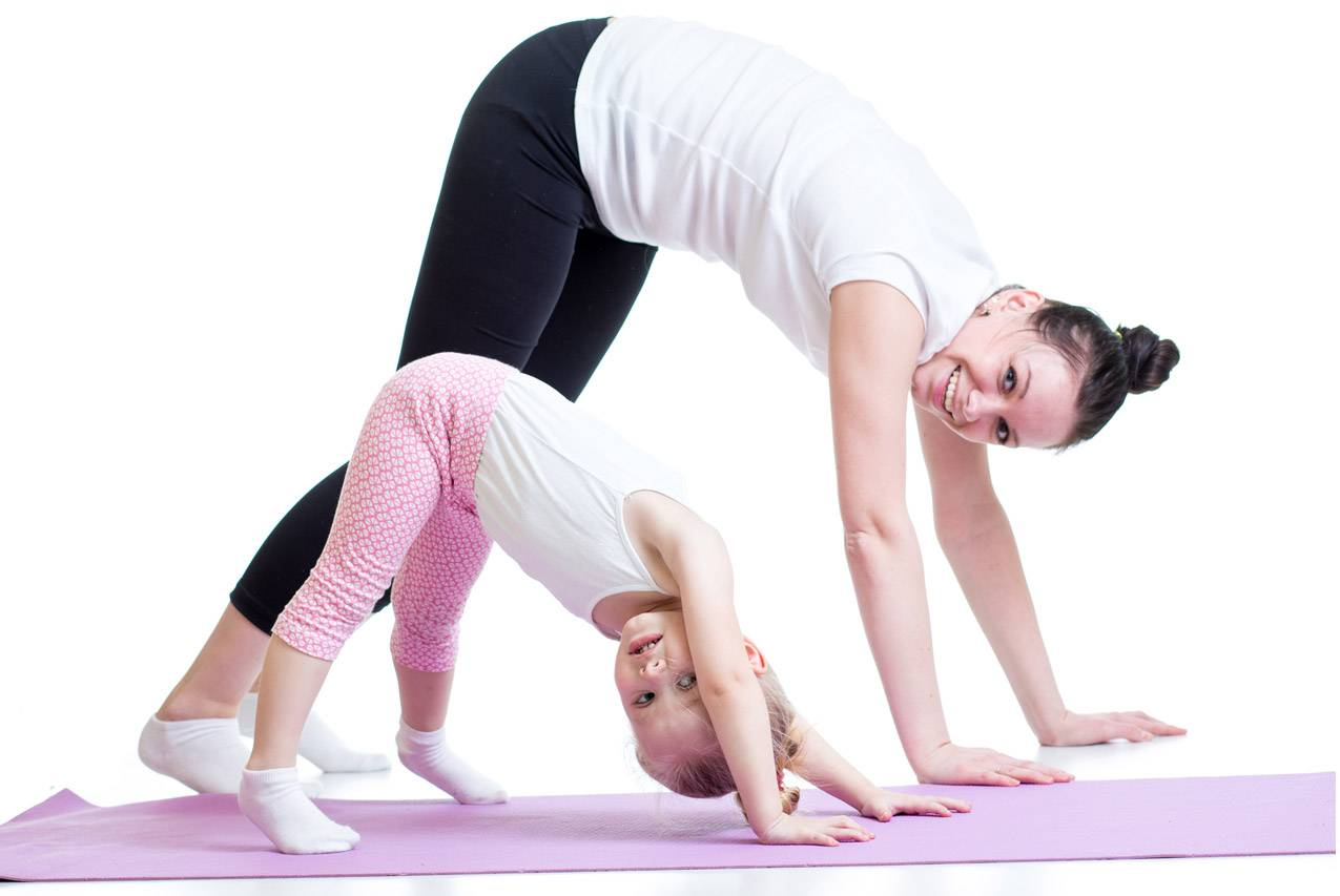 Йога для детей: возраст для занятий, основные противопоказания, комплексы асан и поз