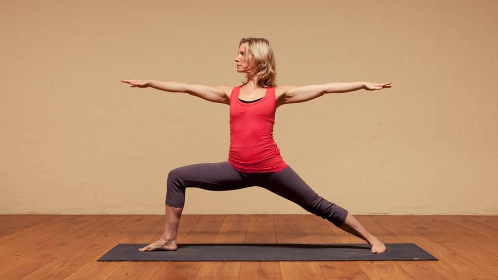 Уттанасана в йоге: техника выполнения, польза, противопоказания