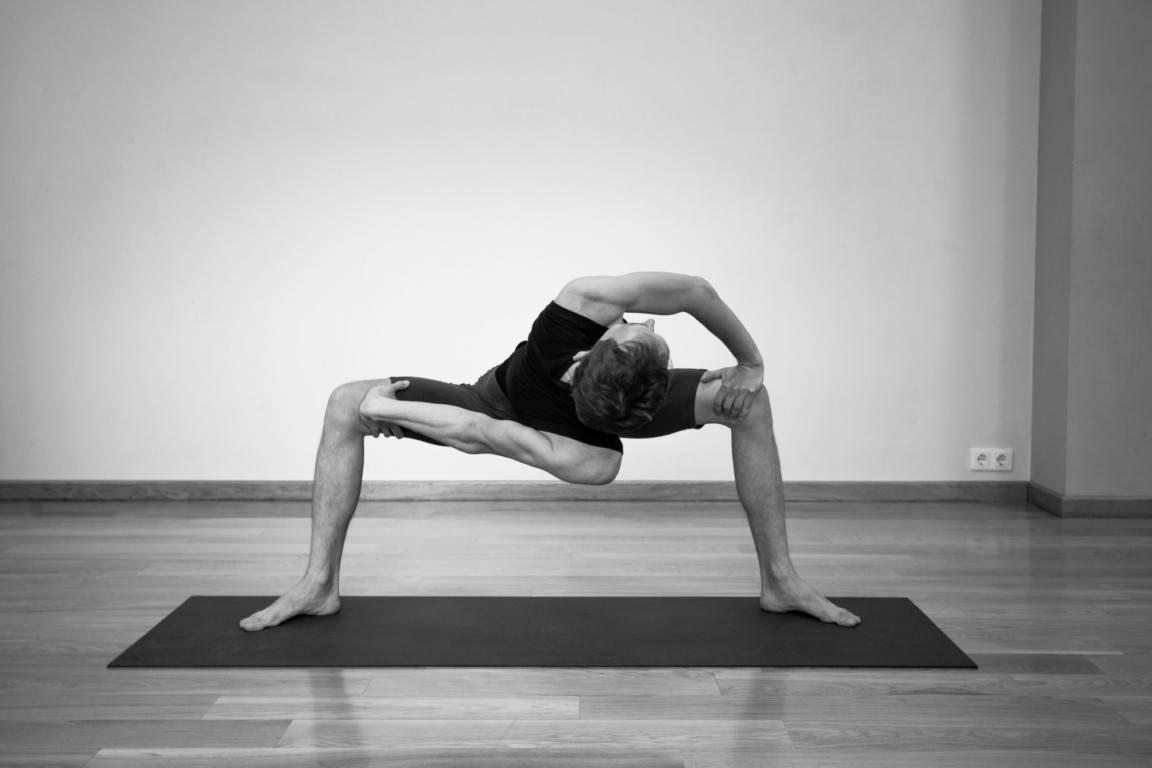Йога мудра: техника выполнения асаны, а также фото и видео упражнения