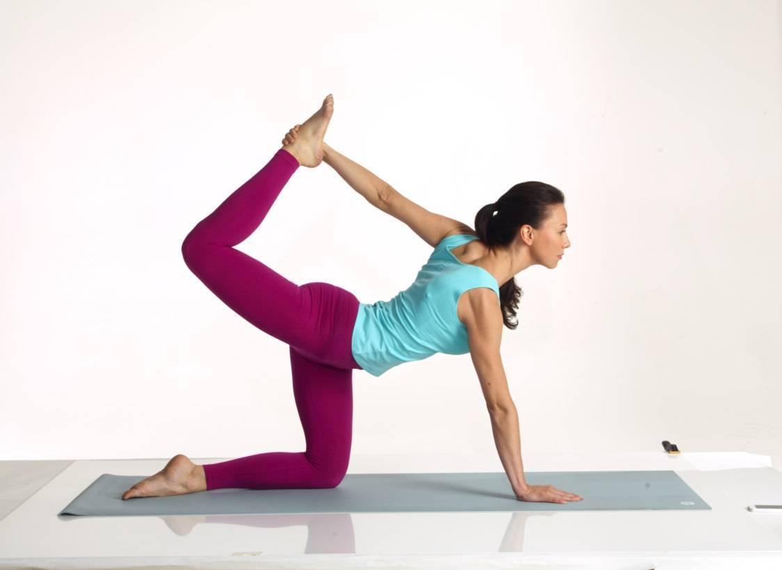 Практика йоги для начинающих для похудения в домашних условиях за 15 минут: быстро и эффективно!