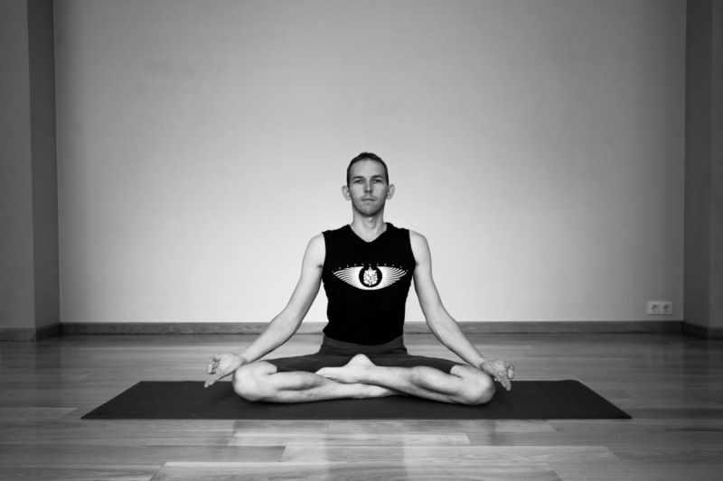 Прокачайте мышцы и гибкость: силовая йога для красивой фигуры и повышения выносливости
