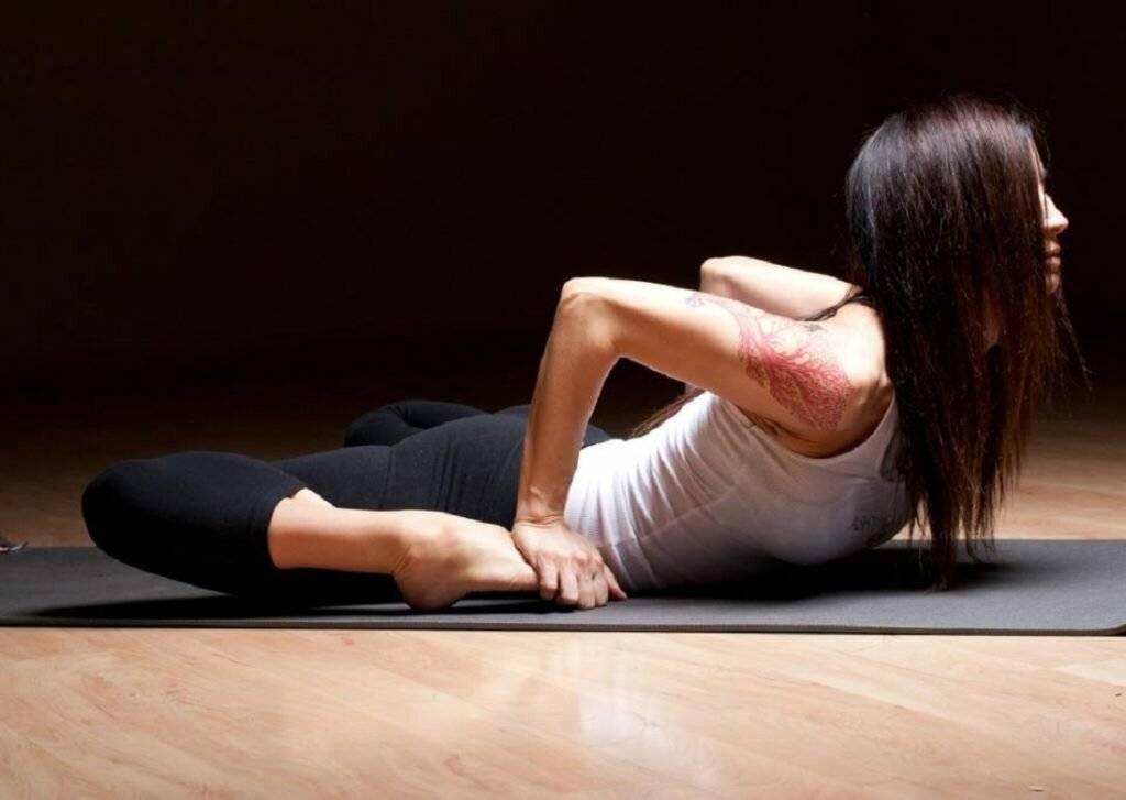 Йога во время месячных: лучшие позы, запрещённые асаны, видео