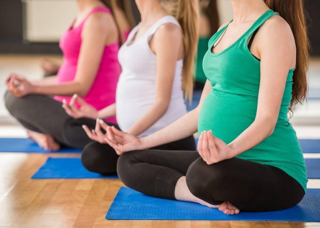 Йога для беременных - безопасные занятия при беременности