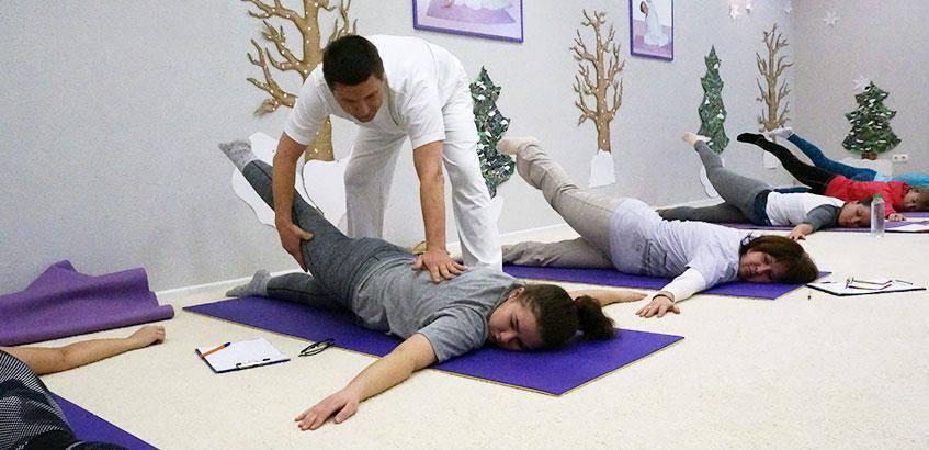 Йоготерапия: суть методики, польза и противопоказания