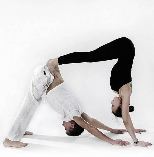 Что такое йога для двоих или парная йога (видео урок для начинающих)?