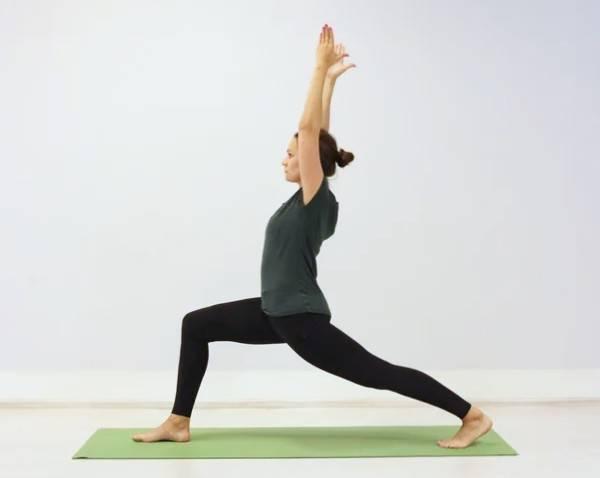Секреты выполнения вирабхадрасаны 2, техника позы героя 2 в йоге, польза асаны