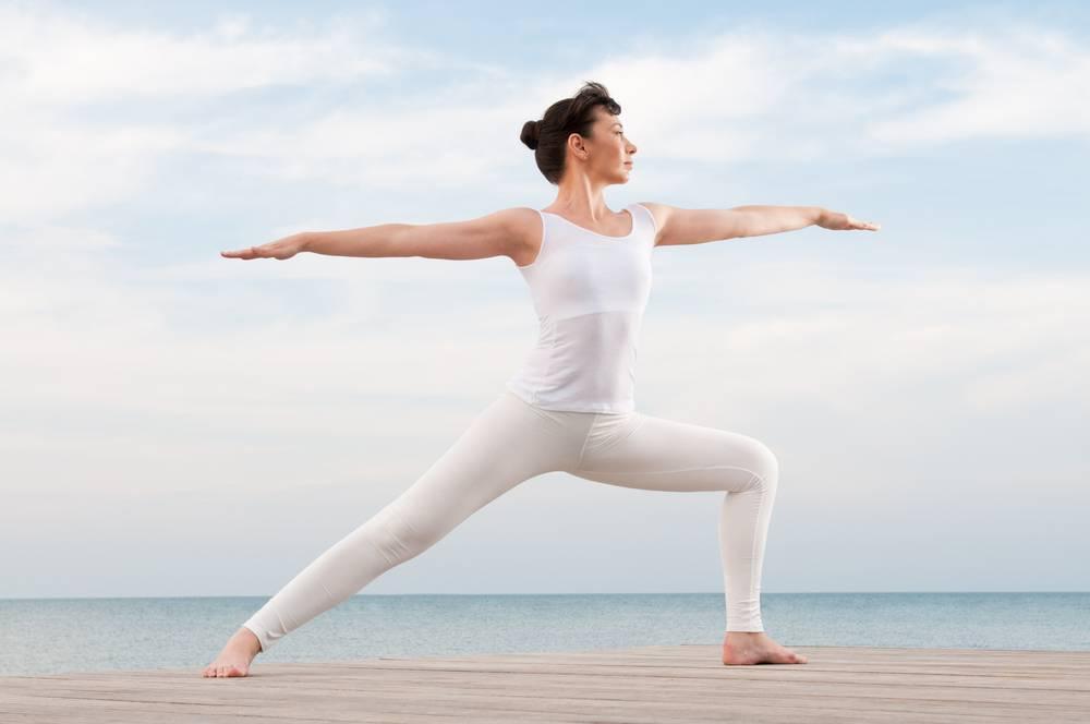 Паршвоттанасана в йоге: техника выполнения, польза, противопоказания