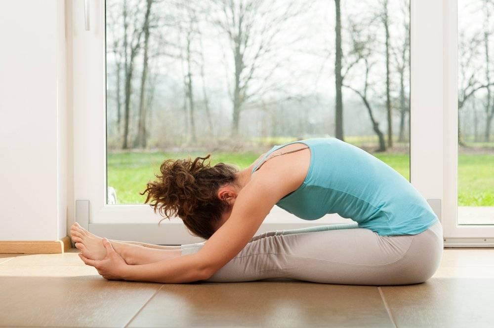 Вечерняя йога: как научиться расслабляться перед сном