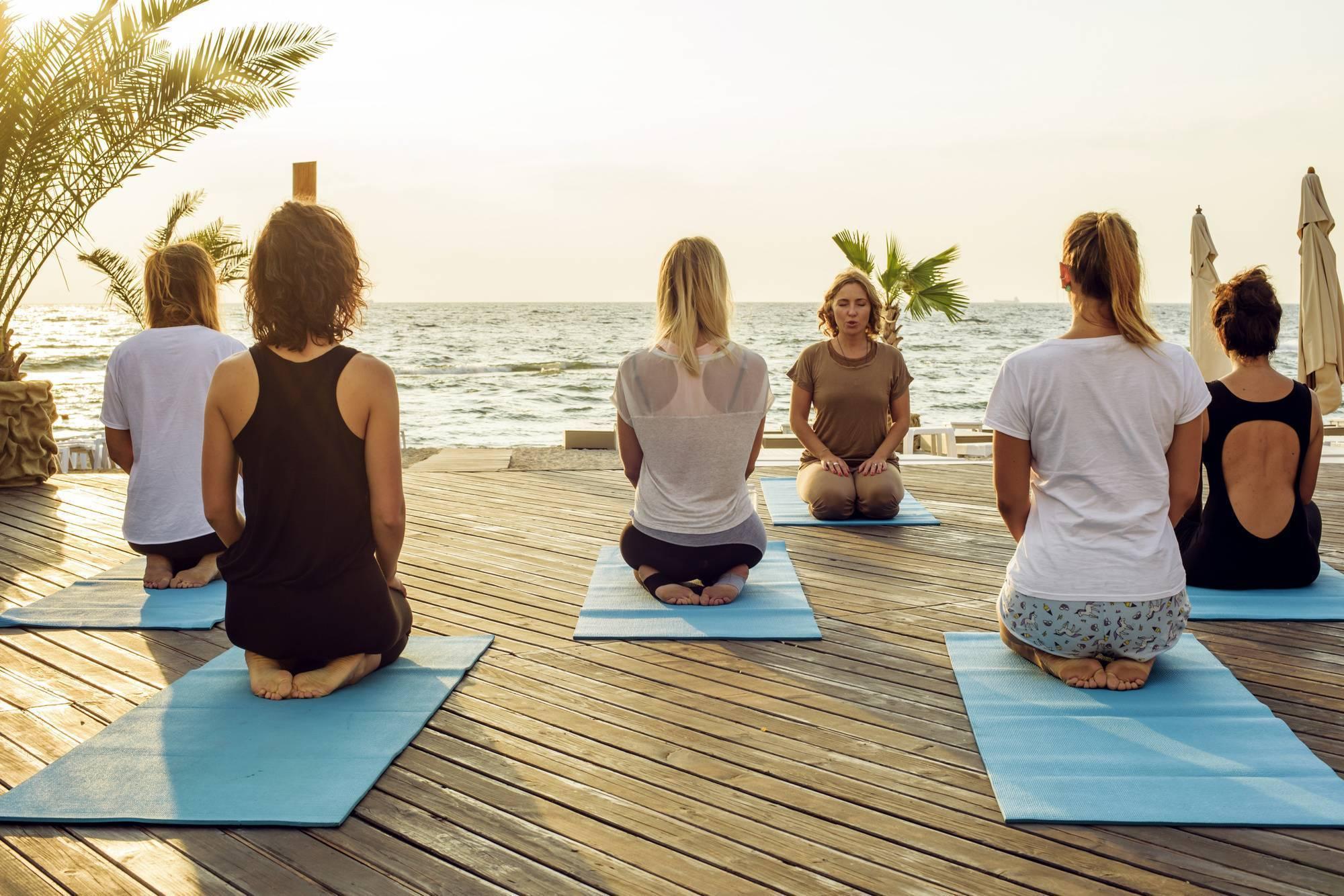 12 удивительных преимуществ йоги для здоровья женщины